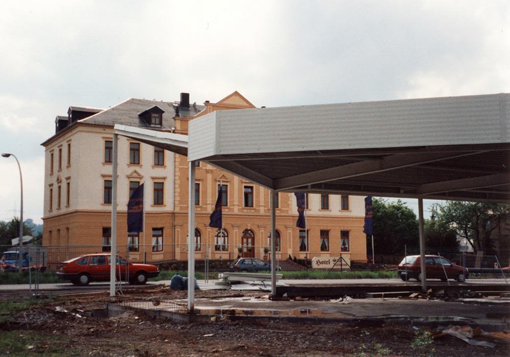 28-Ein-neues-Autohaus